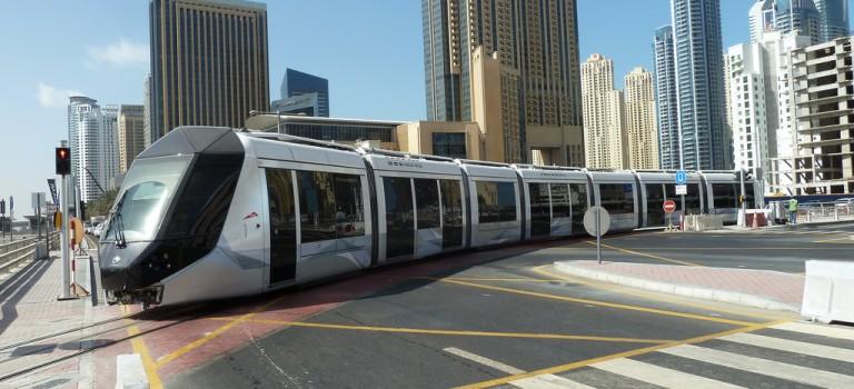 Met de Dubai Tram naar The Walk